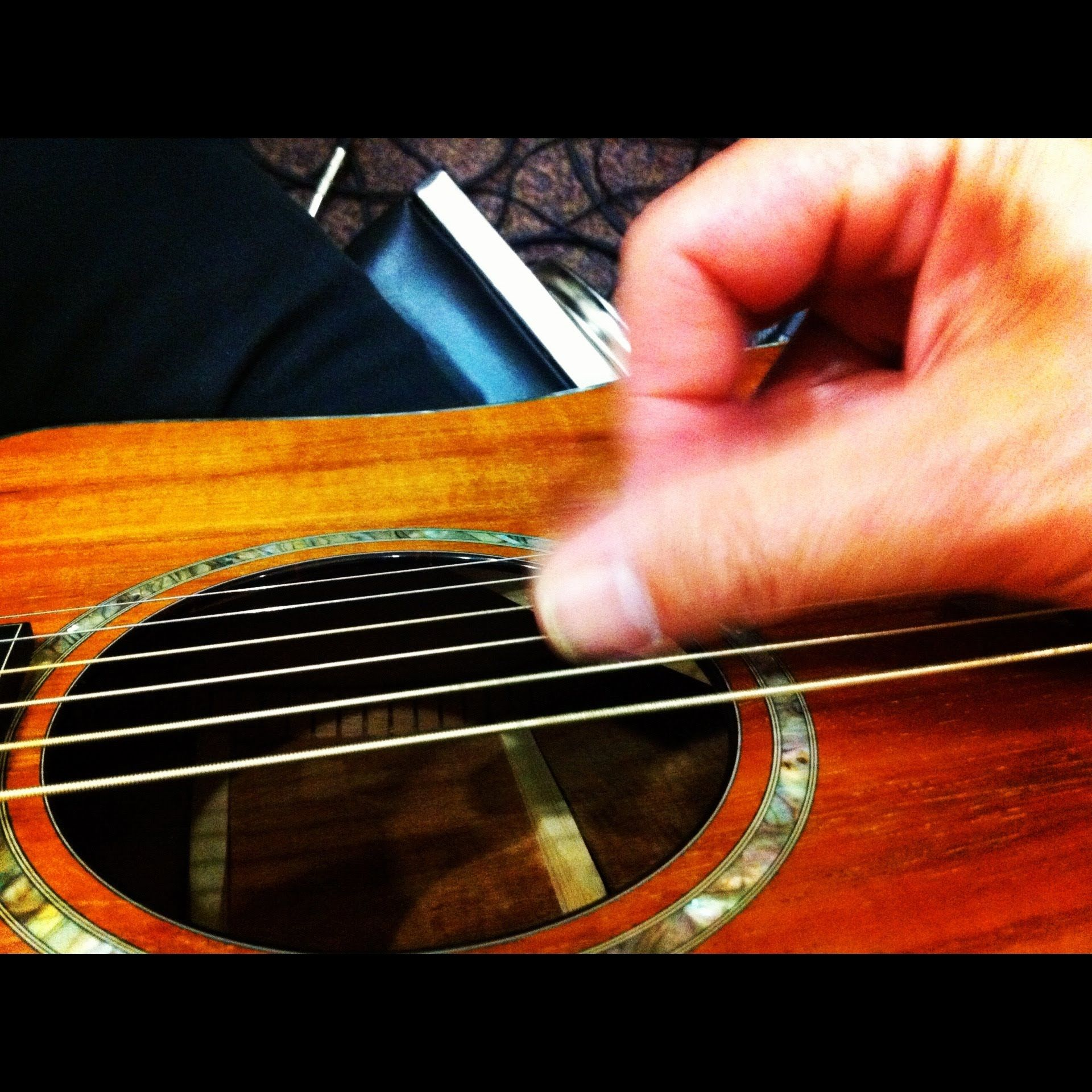 The Awesome Axis 4 Chord Trick Four Chords And A Thousand Songs