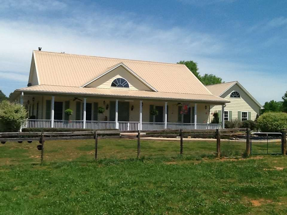 Working Horse Farm With 39 Acres Convenient To Tryon