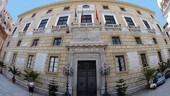 Offerte di lavoro Palermo  Condannati quattro funzionari e sei imprenditori che hanno beneficiato degli sgravi illegali  #annuncio #pagato #jobs #Italia #Sicilia Mazzette in cambio dello sconto sulla Tares 69 anni di carcere
