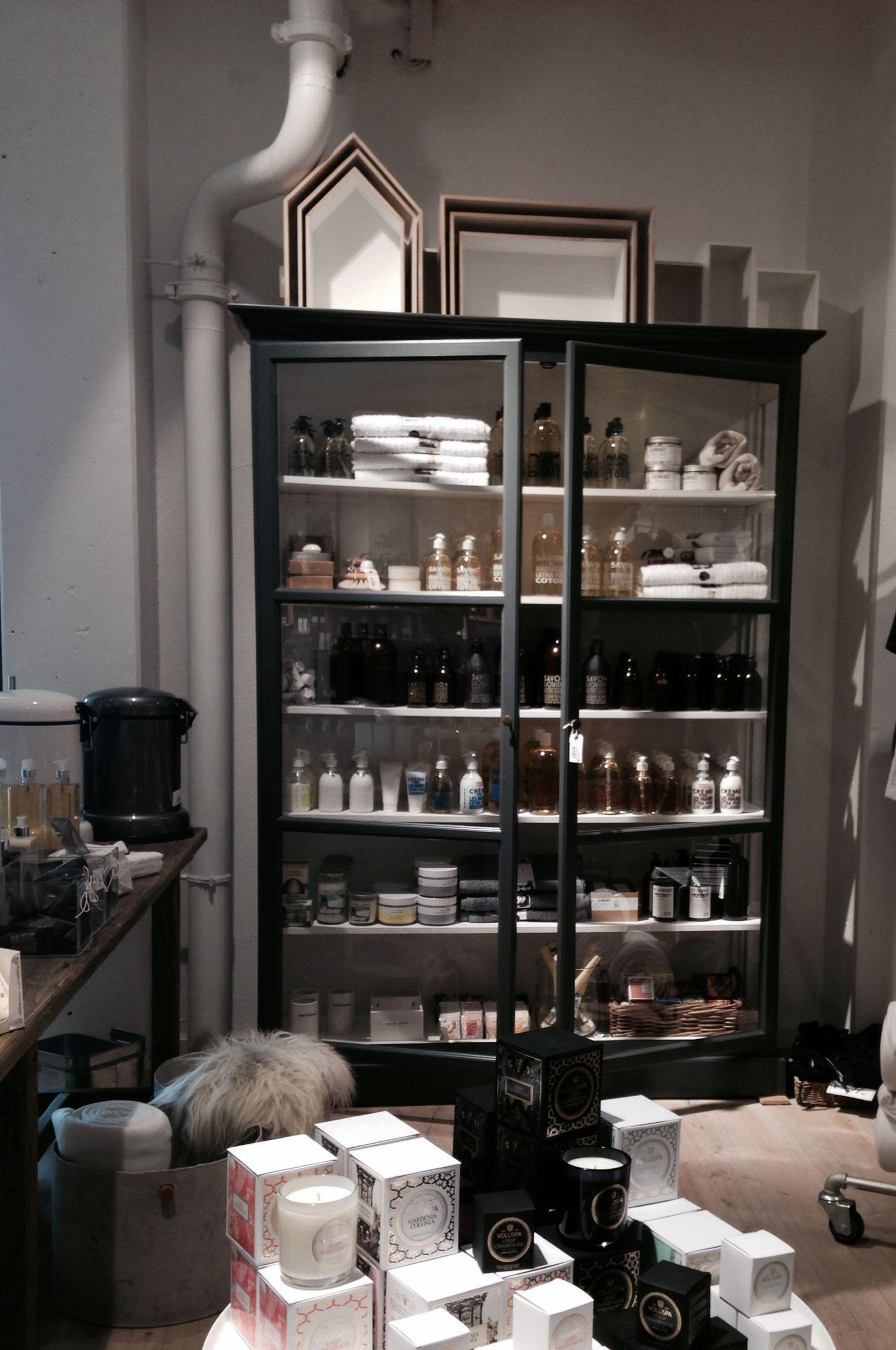 Model v2 @Olivia Seay hus | Olohuone | Pinterest | Vitrine, Möbel ...