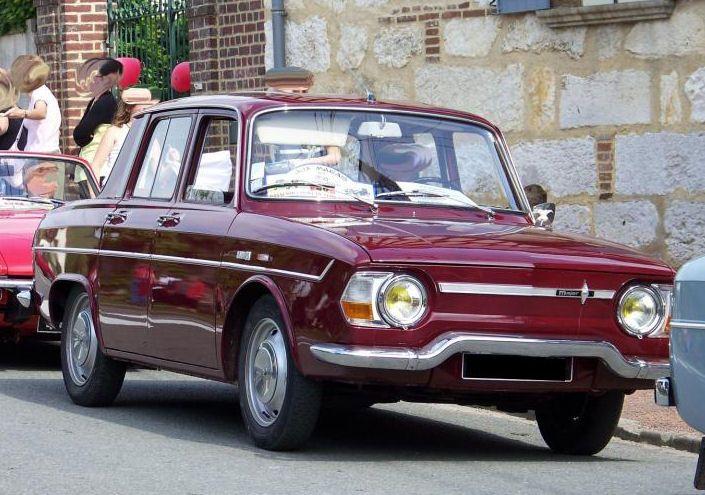 """Superbe Renault 10 Major """"rouge bordeaux"""""""
