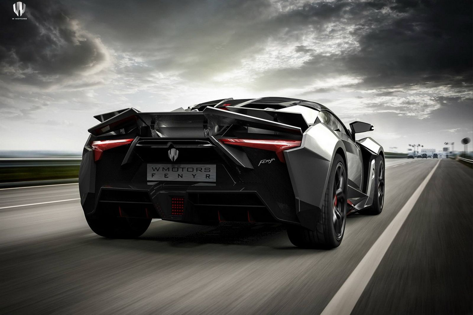 New fenyr supersport revealed at dubai delivers over 900hp 248mph
