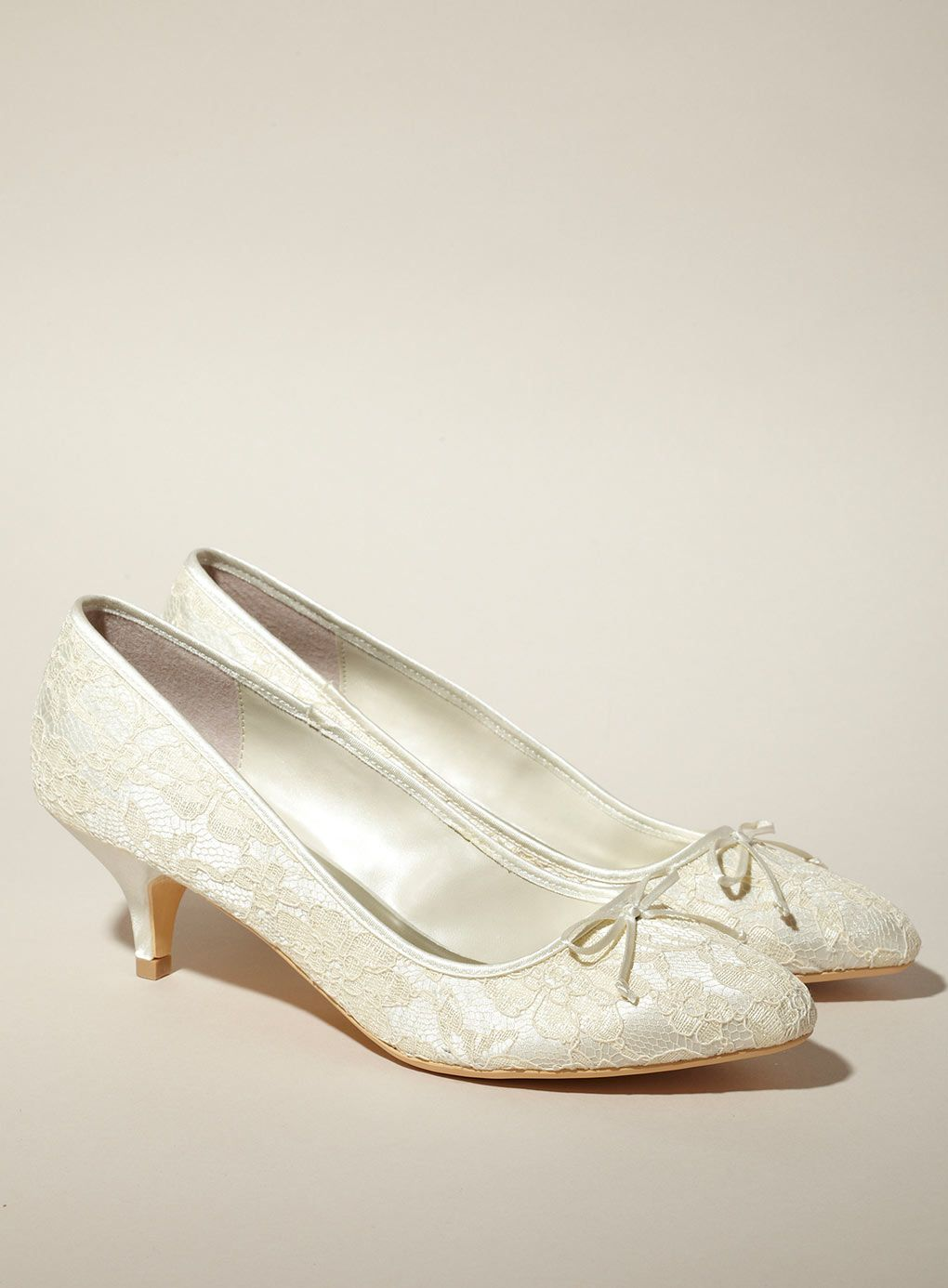 1000  images about Bridal shoes on Pinterest | Lace, Satin and ...