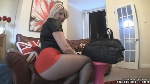 Other tighs pantyhose flashing