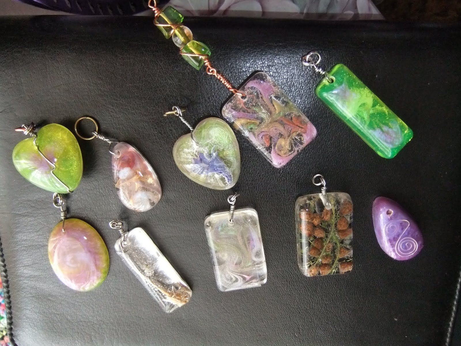 Instructions on how to create resin pendants with colored swirls instructions on how to create resin pendants with colored swirls supplies i get my supplies from barnes in australia httpbarnesc pinteres aloadofball Images