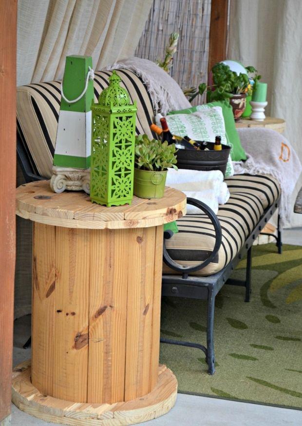 Wooden cable spool table creative sofa idea diy terrace for Diy terrace