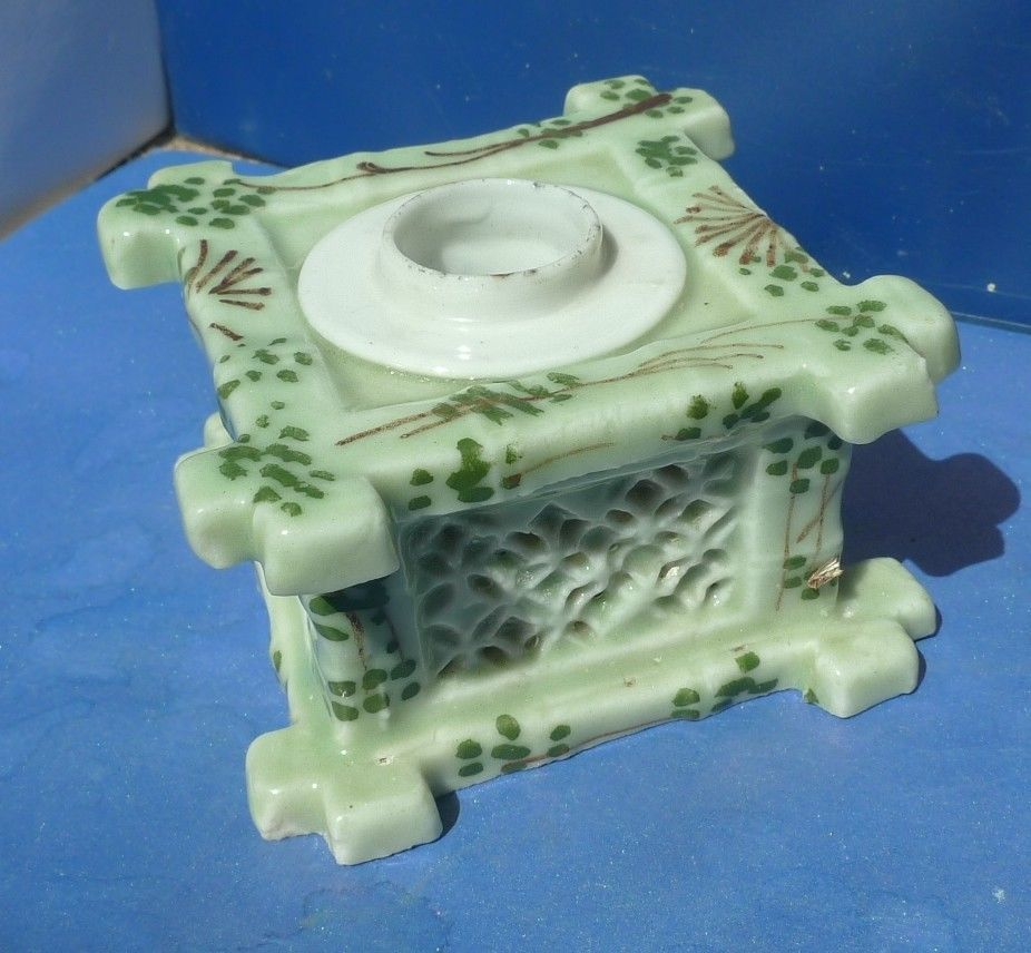 Vtg pottery light green candle holder candlestick home decor