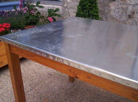 Metamorphose D Une Table Ordinaire Par Le Zinc Le Petit Vide Grenier De La Fee Marraine Zinc Table Table Ping Pong Table