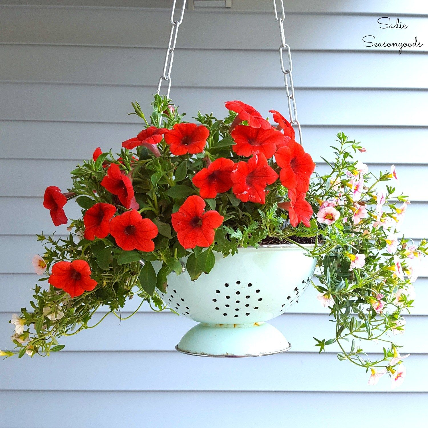 Great Ideas 15 Outdoor Diy Projects Diy Hanging Planter Diy Garden Projects Hanging Flower Baskets