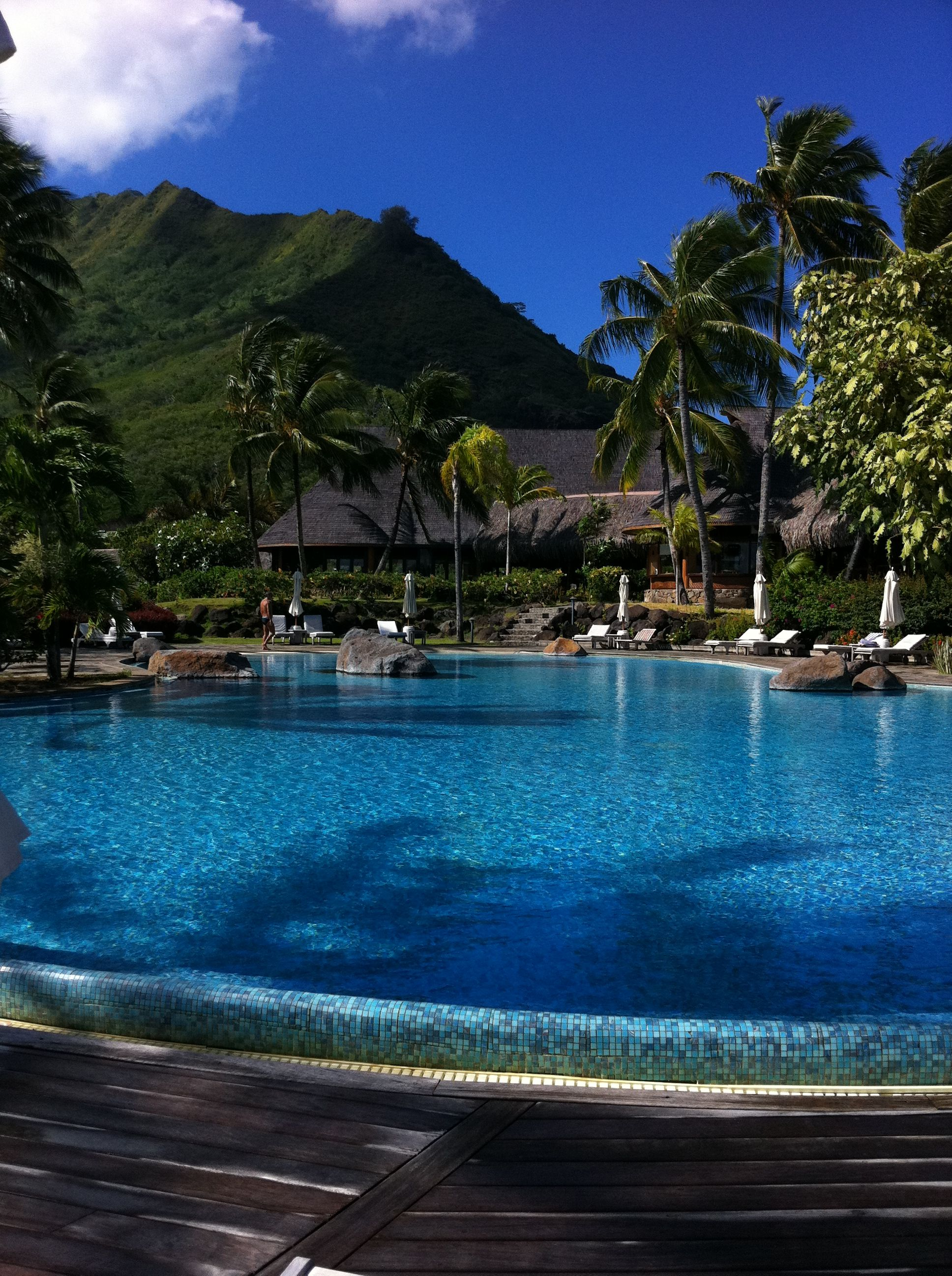 tropical places | tahiti | tropical places of pure sun | vacation