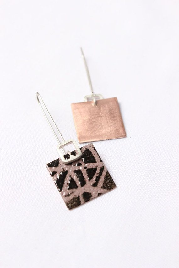 "These square earrings are made in enamelled copper with biscuit and brown colors. They are simple and delicate, both are hanging from a silver long wire. The finishing is matte.  Dimension: Long: 2"" Square: 0,8 x 0,8   ►CARE: The composition of the enamel is ground glass, therefore it is fragile so be careful with the punches. ►My items are handmade, some subtle variation is due to the craftsmanship that make each unique piece .. any difference with the photo, feature is a special and…"