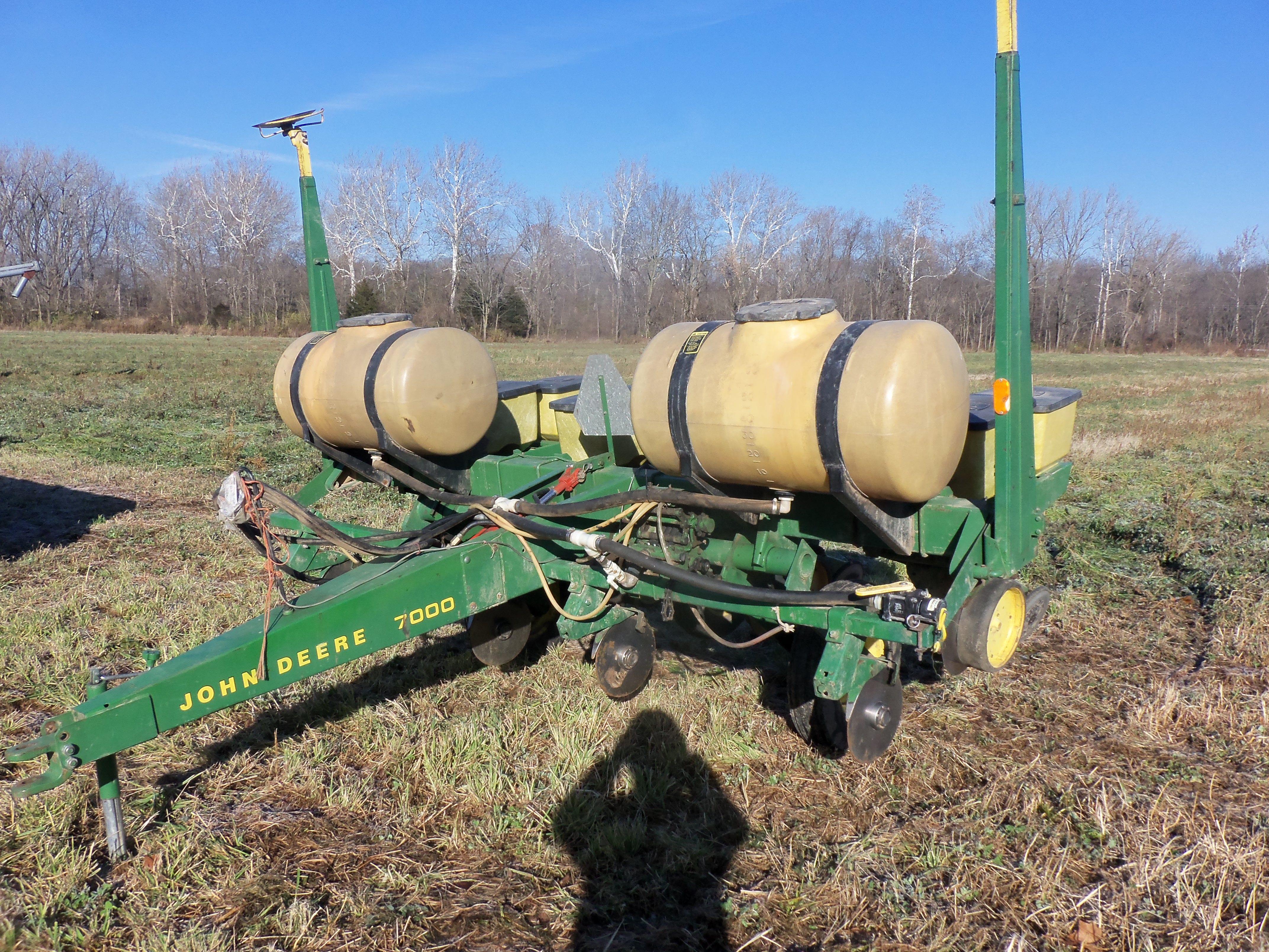 Cole planters prices - 4 Row John Deere 7000 Corn Planter
