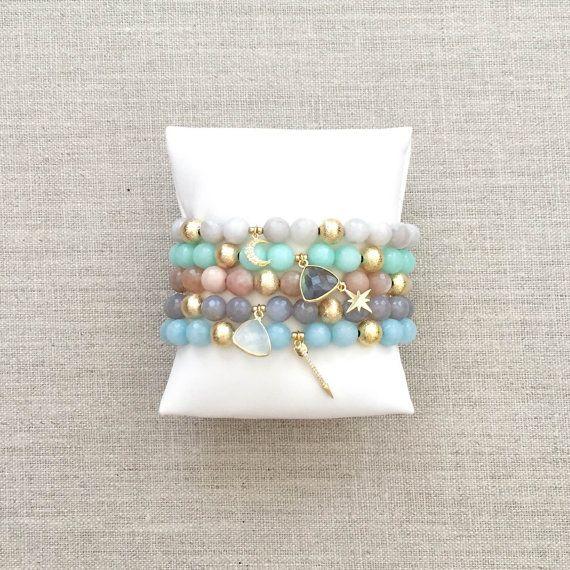 The Chloe Charm Bracelets Chloe, Pulseras y Brazalete
