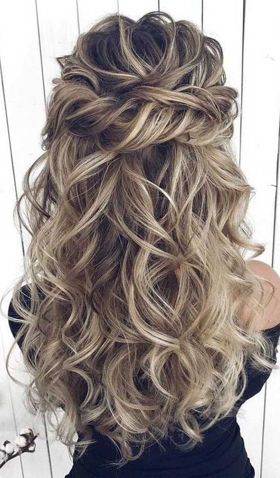 Prom hairstyles that will make all heads turn #promhairdos best hairstyles for prom, prom in 2020   Hair styles, Elegant hairstyles, Cool hairstyles