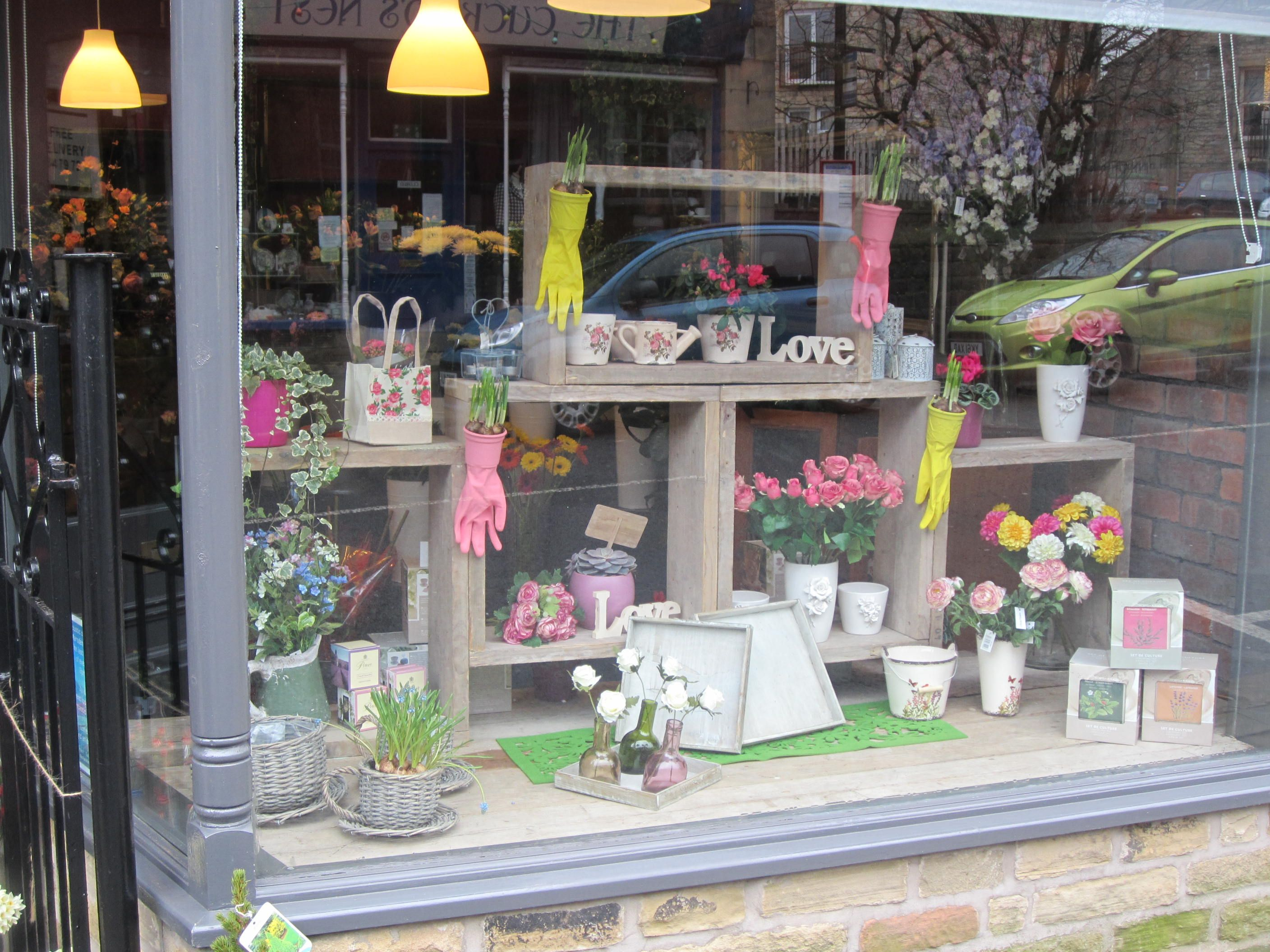 Mother 39 s day spring window display 2014 display for Retail store window display ideas