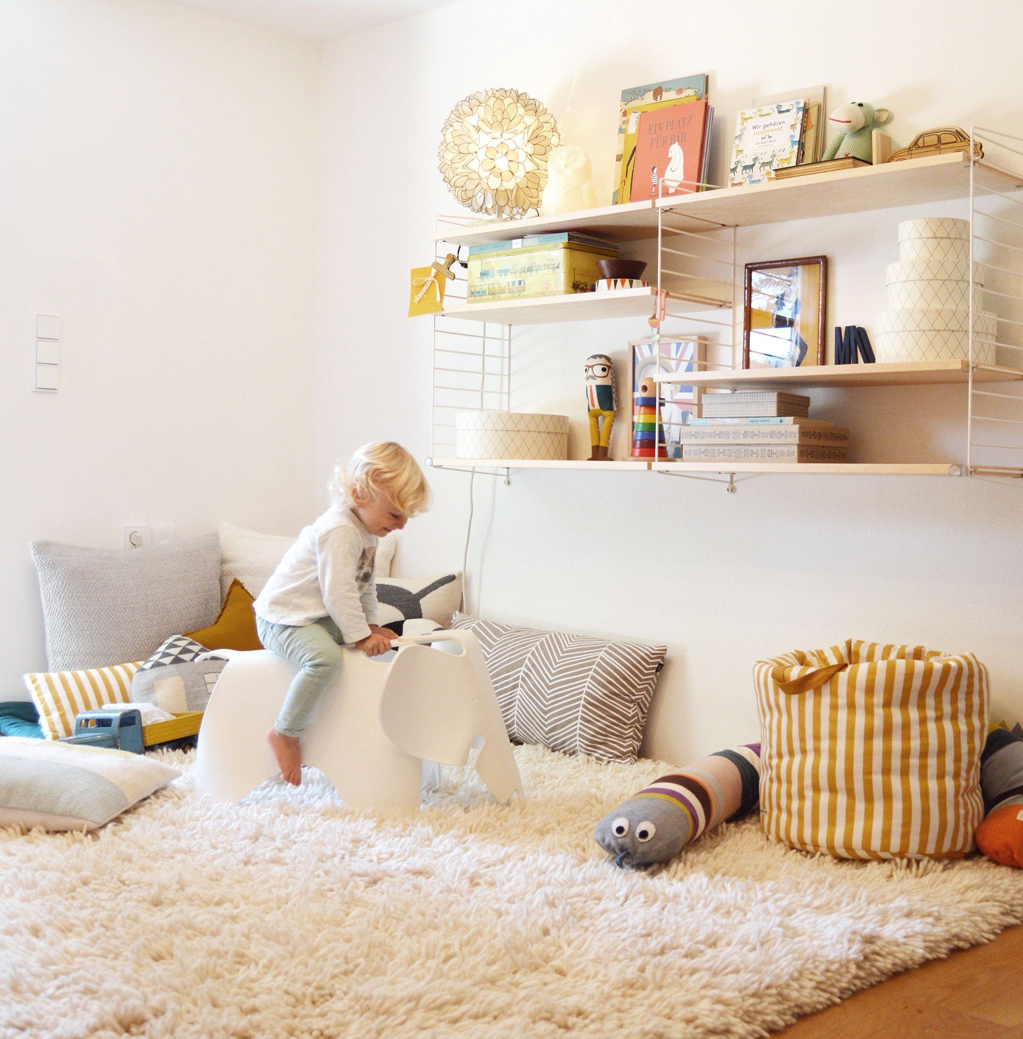 vitra kinderzimmer wohnideen und buben. Black Bedroom Furniture Sets. Home Design Ideas