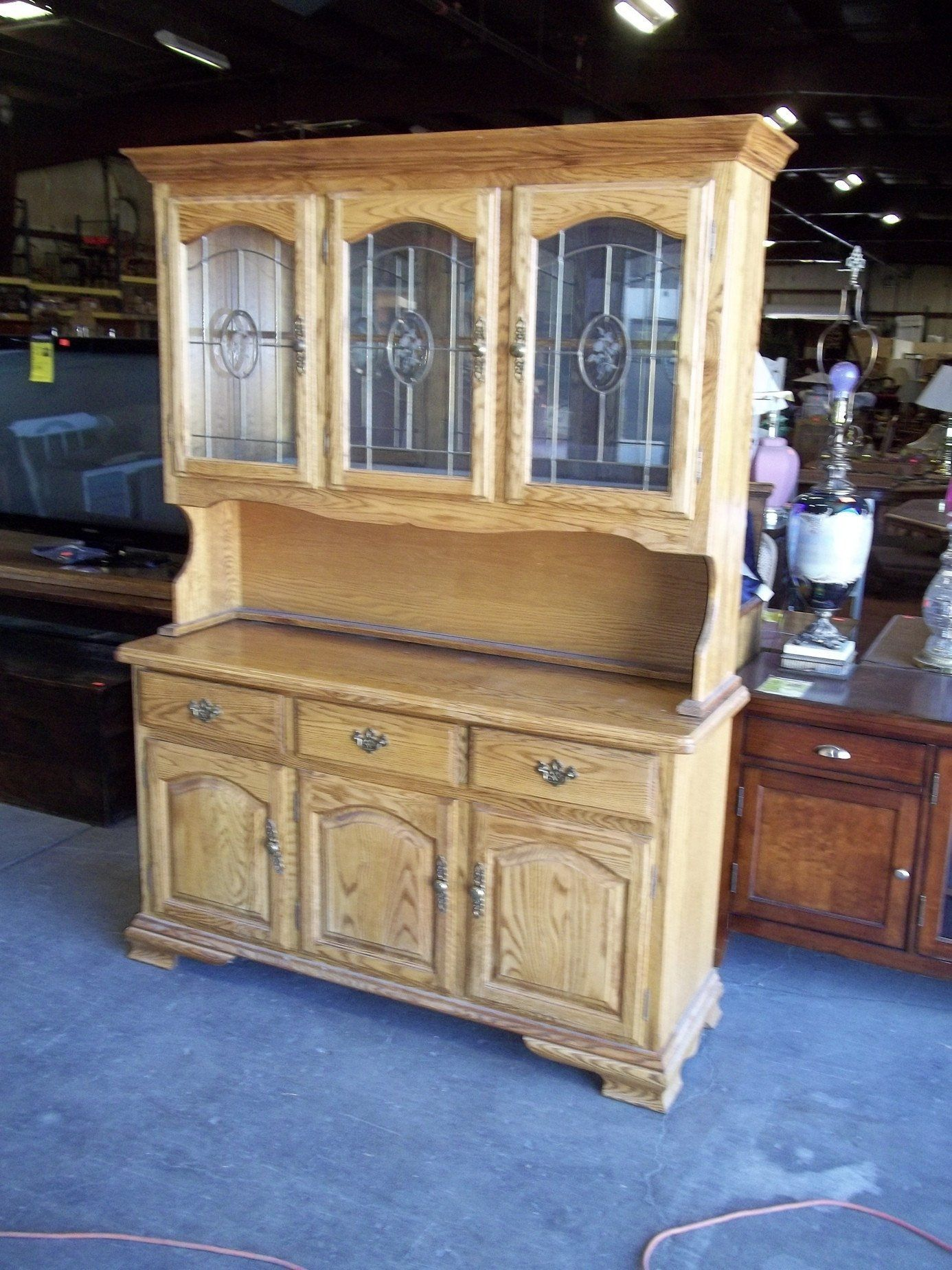Kushwood Oak China Cabinet Hutch 20043