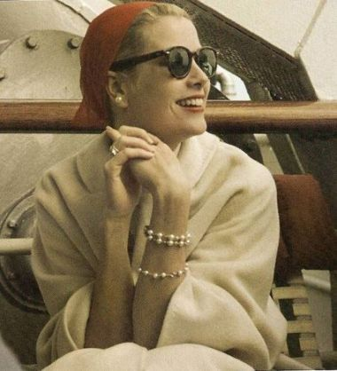Photo of How To Wear Pearls Like Grace Kelly: A Short Portrait & Style Tips – PearlsOnly