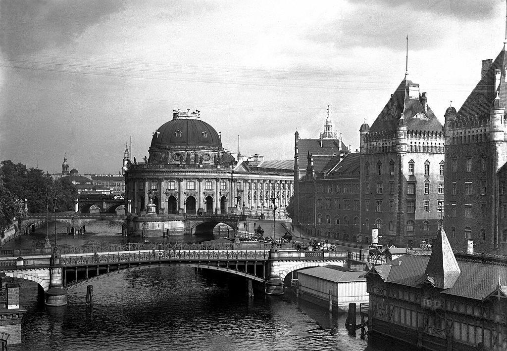 Kaiser Friedrich Museum 1900 Berlin Germany Berlin Old Pictures