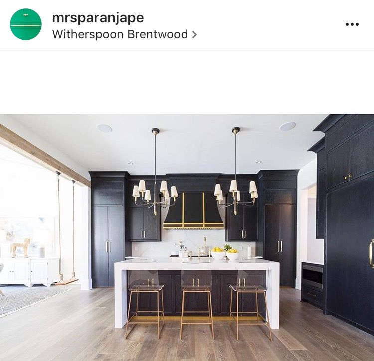 18 Beautiful Bright Kitchen Design Ideas To Serve You As: Gorgeous Black Kitchen With Gold Accents And Thick White