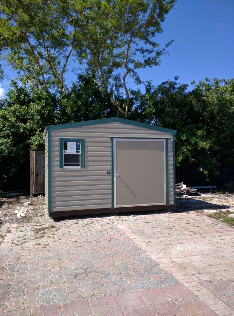 Incroyable Lark 8x12 Storage Shed