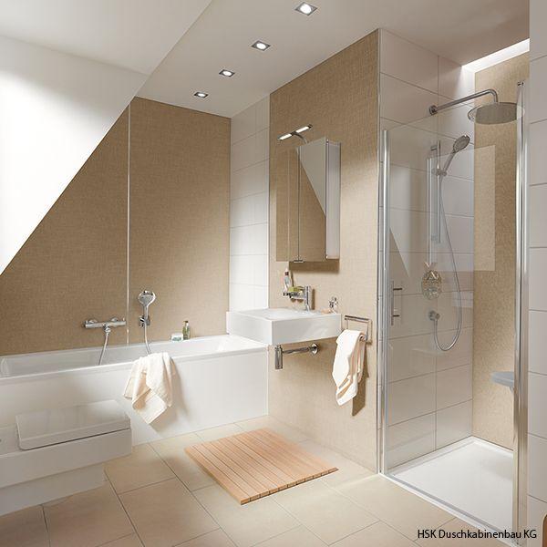 Photo of Ein kühler, weißer Raum kann mit einem warmen Sand oder einem schönen …