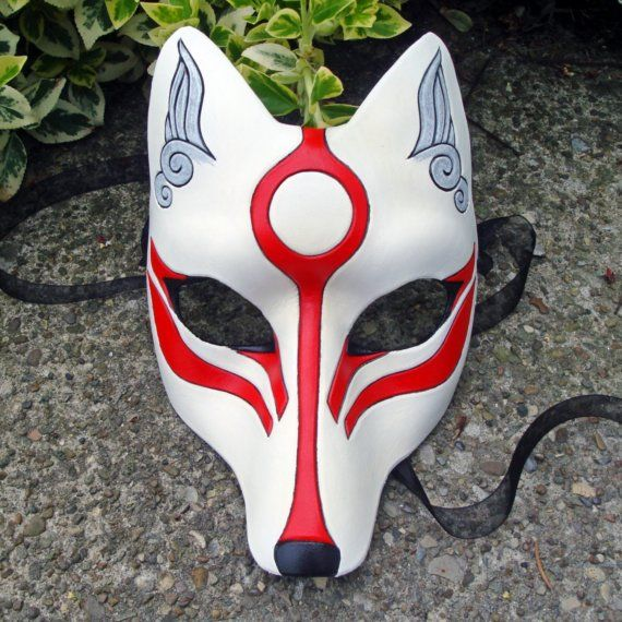 "This mask is a Japanese fox which make me think about the cartoon ""Naruto"". It is about ninja's life."