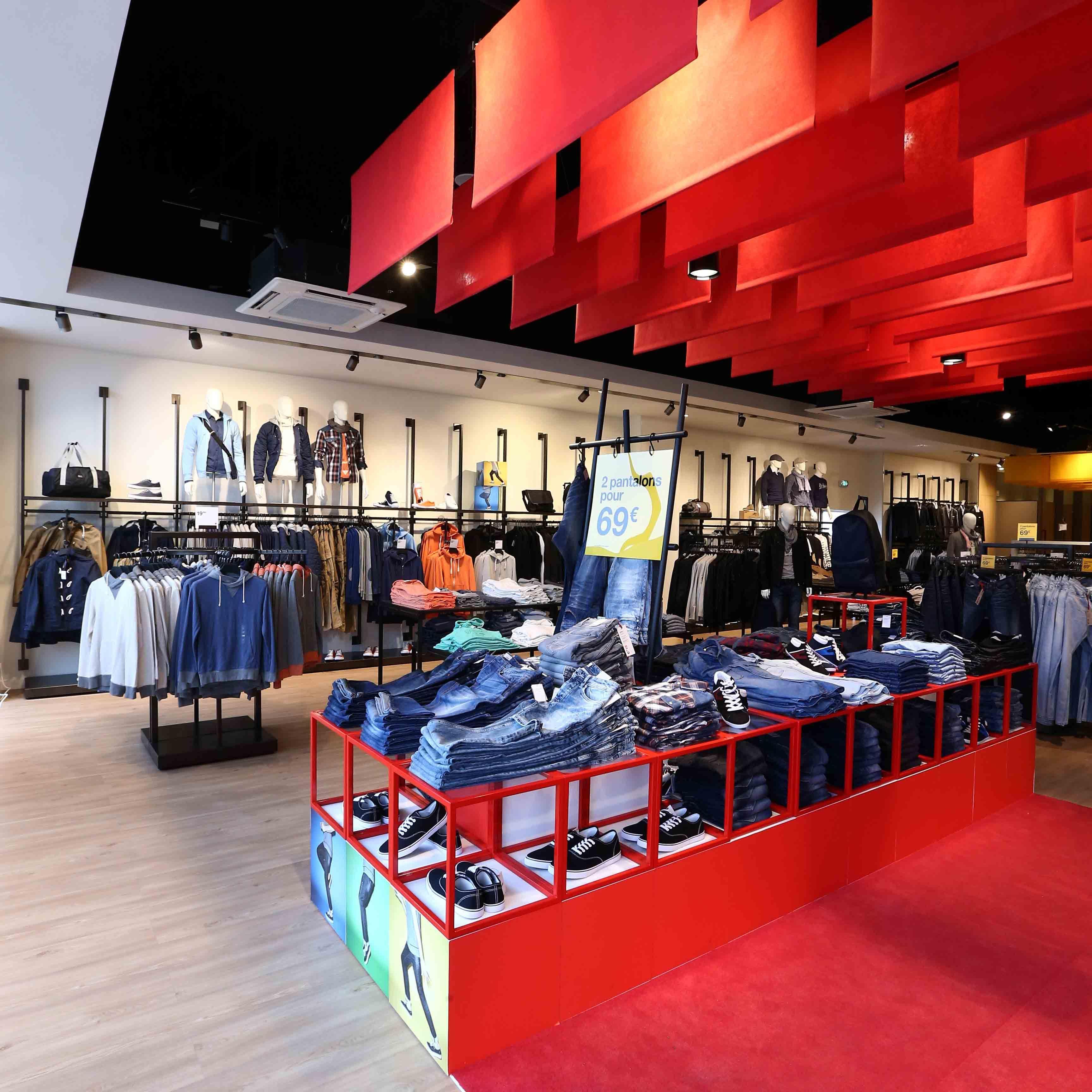 Celio Mobilier Textile Homme Merchandising Color Groupe Lindera Textiles Pret A Porter Mobilier