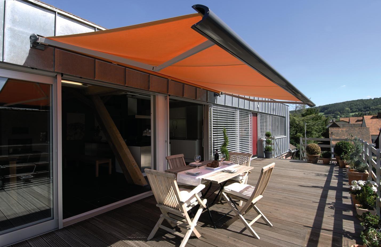 Kassettenmarkise Auf Der Dachterrasse Markisen Warema Schutz Warema Pergola Markise Markise Fenstermarkisen