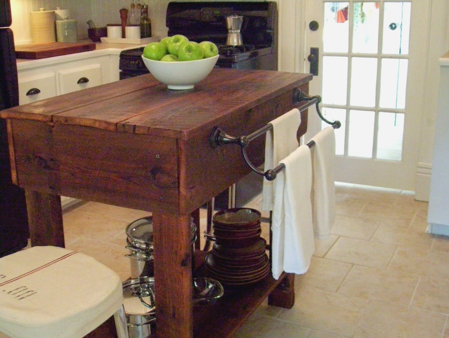 pinannora on home interior | rustic kitchen tables