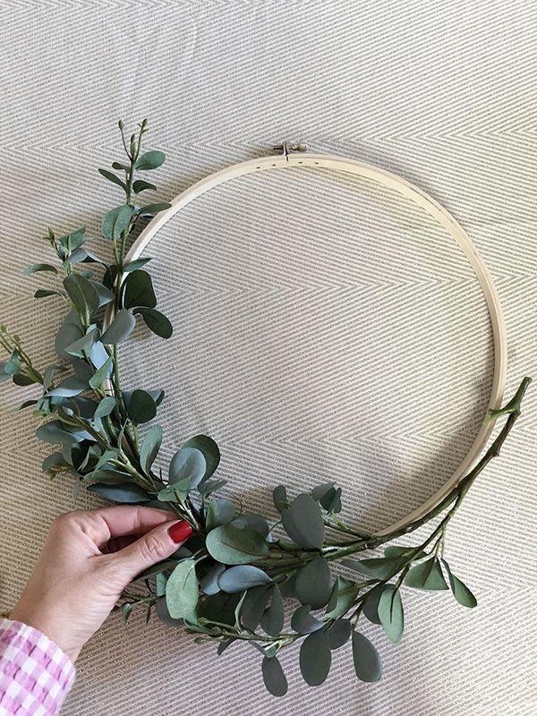 Photo of Five-Minute Floral Hoop Wreath! – DIY Ideas – Blumenkranz