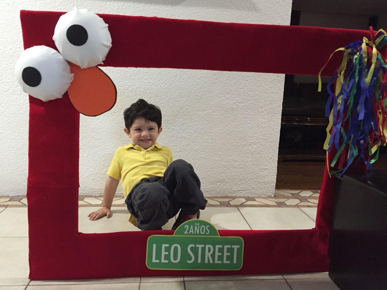 Marco para fotos Elmo | Mesa de dulces Elmo y Cookie Monster | Pinterest