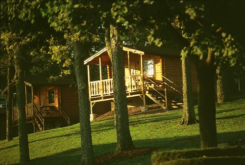 deluxe cabins at the hersheypark camping resort. Black Bedroom Furniture Sets. Home Design Ideas