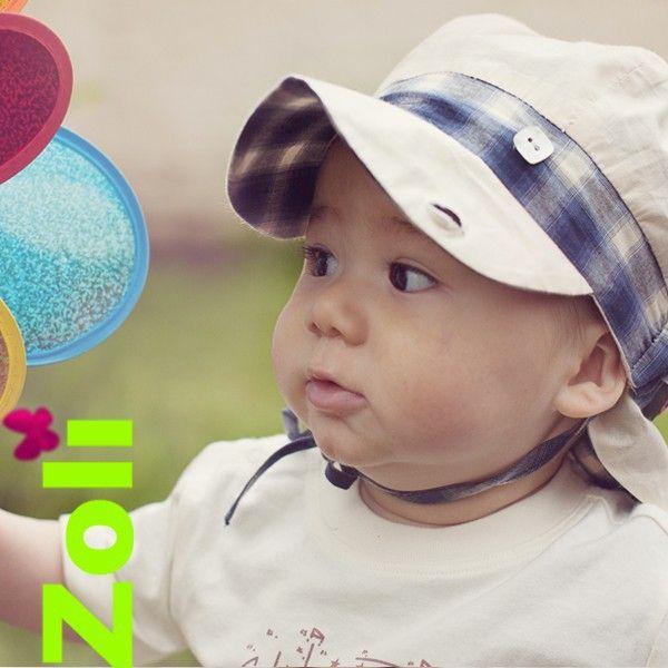 e7dac4879fbd Chapeau été pour protéger bébé du soleil ... mais pas seulement. Découvrez  l évolutivité de nos chapeaux gavroche. Modèle Scott de Zoli