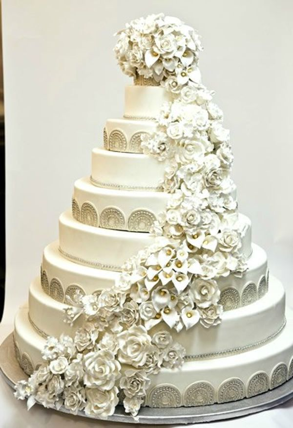 I Wouldn T Be Able To Eat This So Beautiful Big Wedding Cakes Gluten Free Wedding Wedding Cake Tops