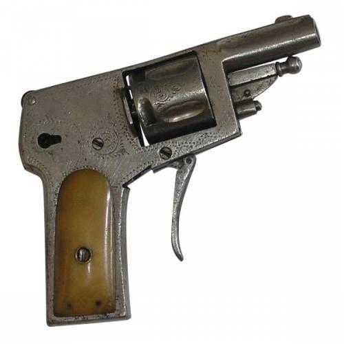 Revolver 5-ranový, Brompetier,  497.91 €, <p>cal: 6,35 mm<br /> výrobca: Retolaz, Hermanos, Španielsko<br /> rok výroby: 1907</p>
