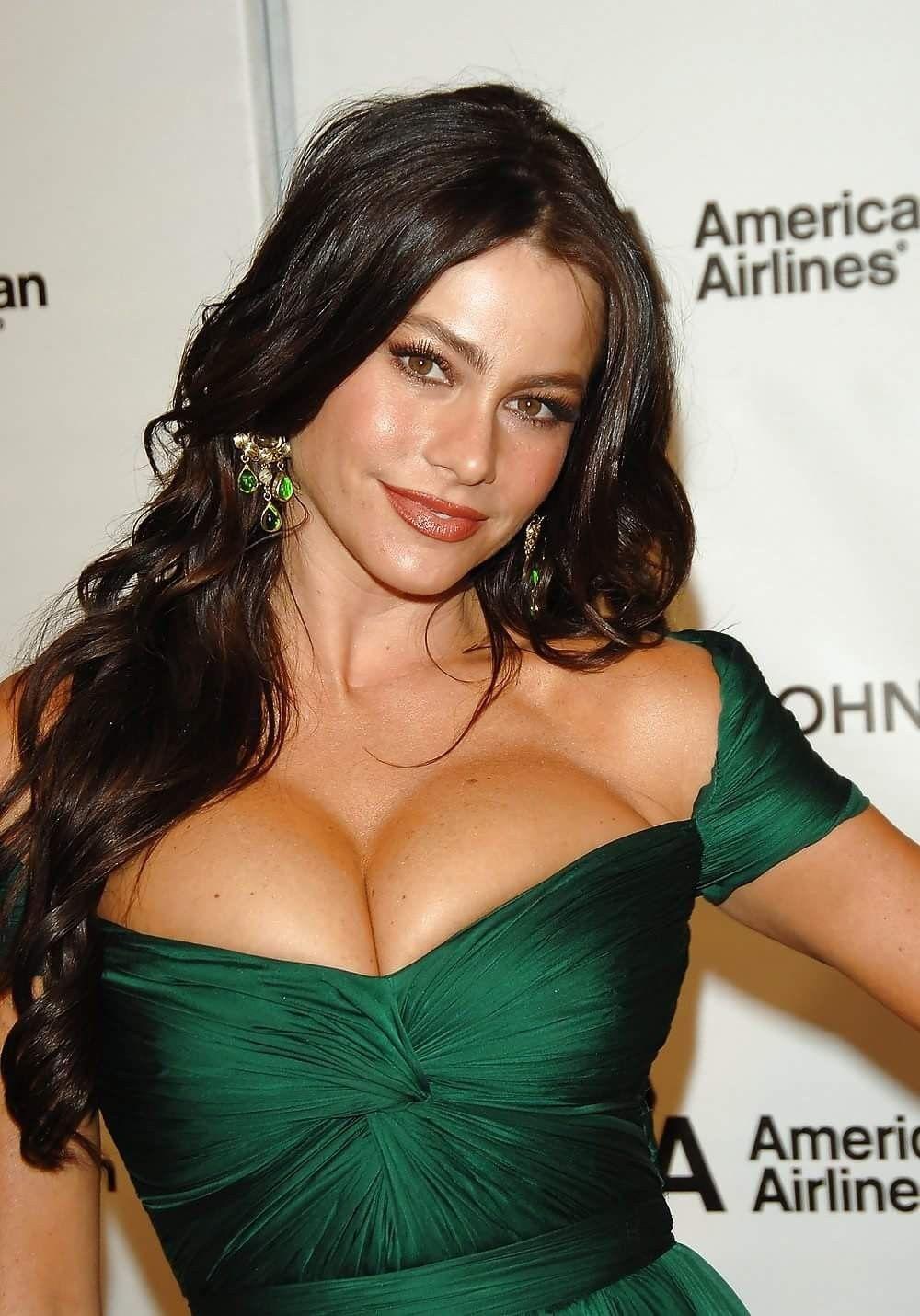 Sofia vergara sexy boobs