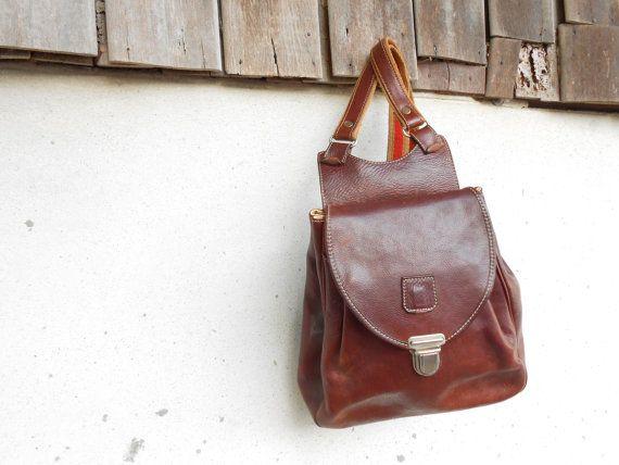 fcdd7100c444 Vintage Chestnut Brown Leather Backpack    size by VindicoShop