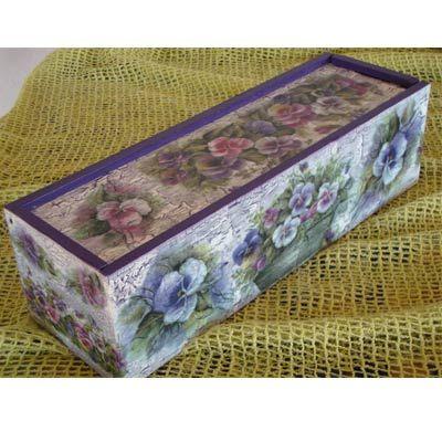 A este estuche de madera le he hecho una decoraci n cl sica en manualidades decoupage - Manualidades cajas decoradas ...