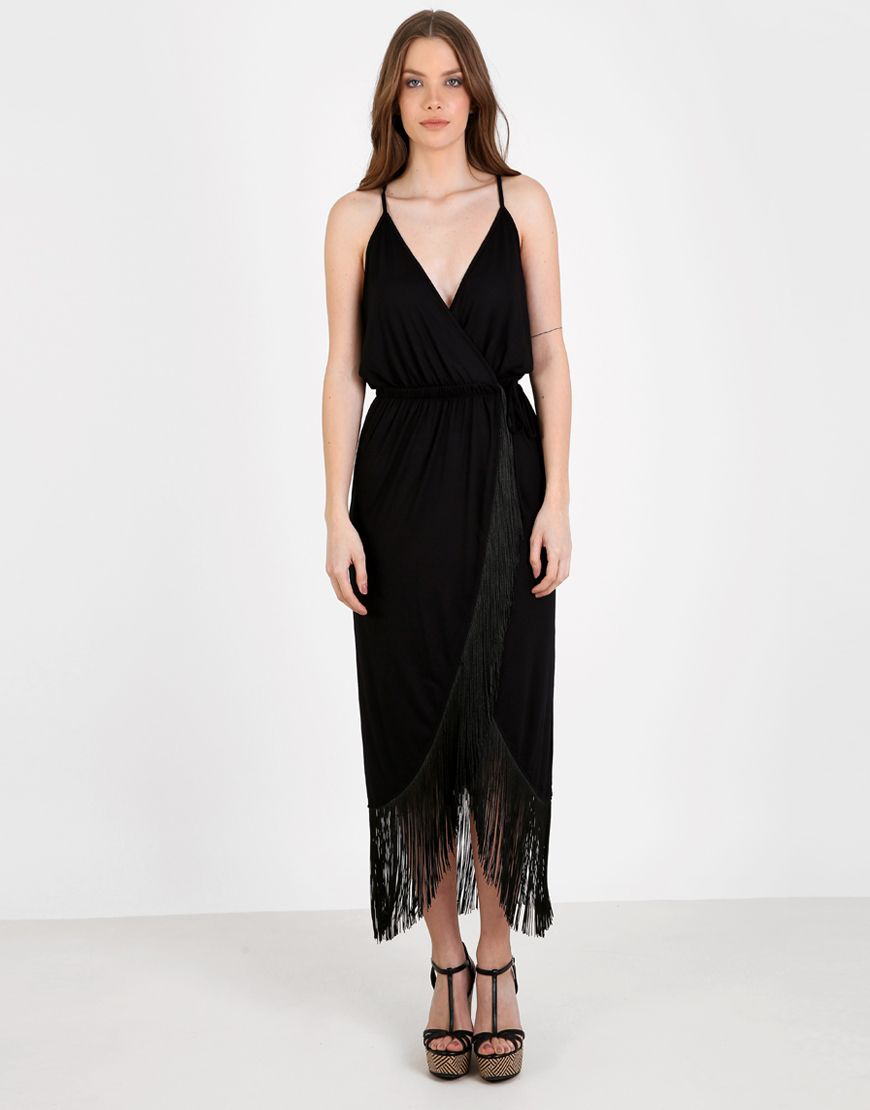 Μαύρο κρουαζέ μίντι φόρεμα με τιράντες και κρόσια. br  br Το μοντέλο ... 5af5ce626f2
