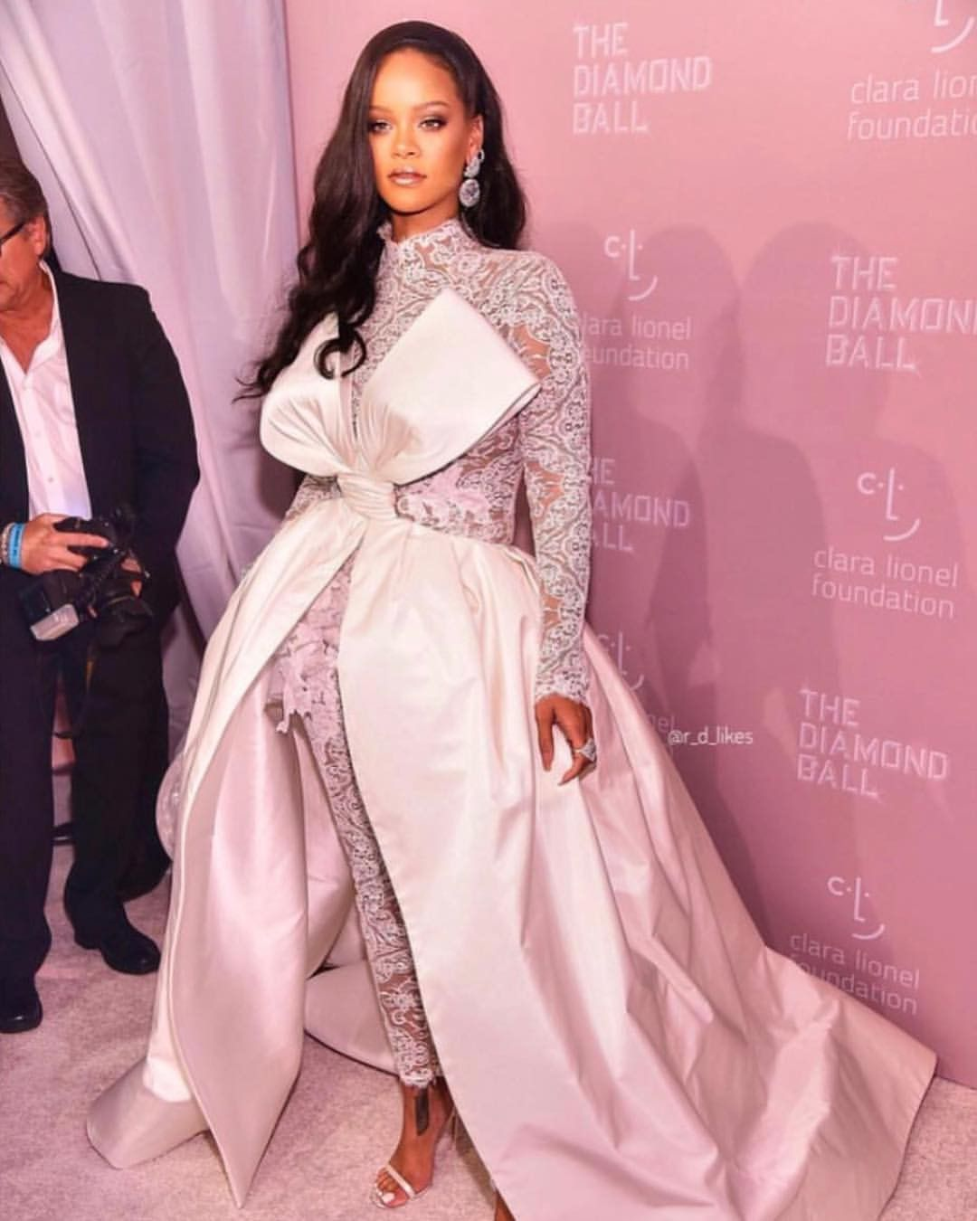 Pin by Sorella Paper Design on Beauty: Woman ♡ | Rihanna ...