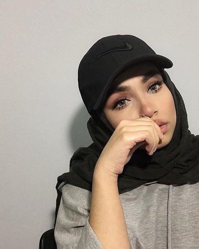 Image May Contain 1 Person Hat And Closeup Black Hijab Hijab Fashion Hijab