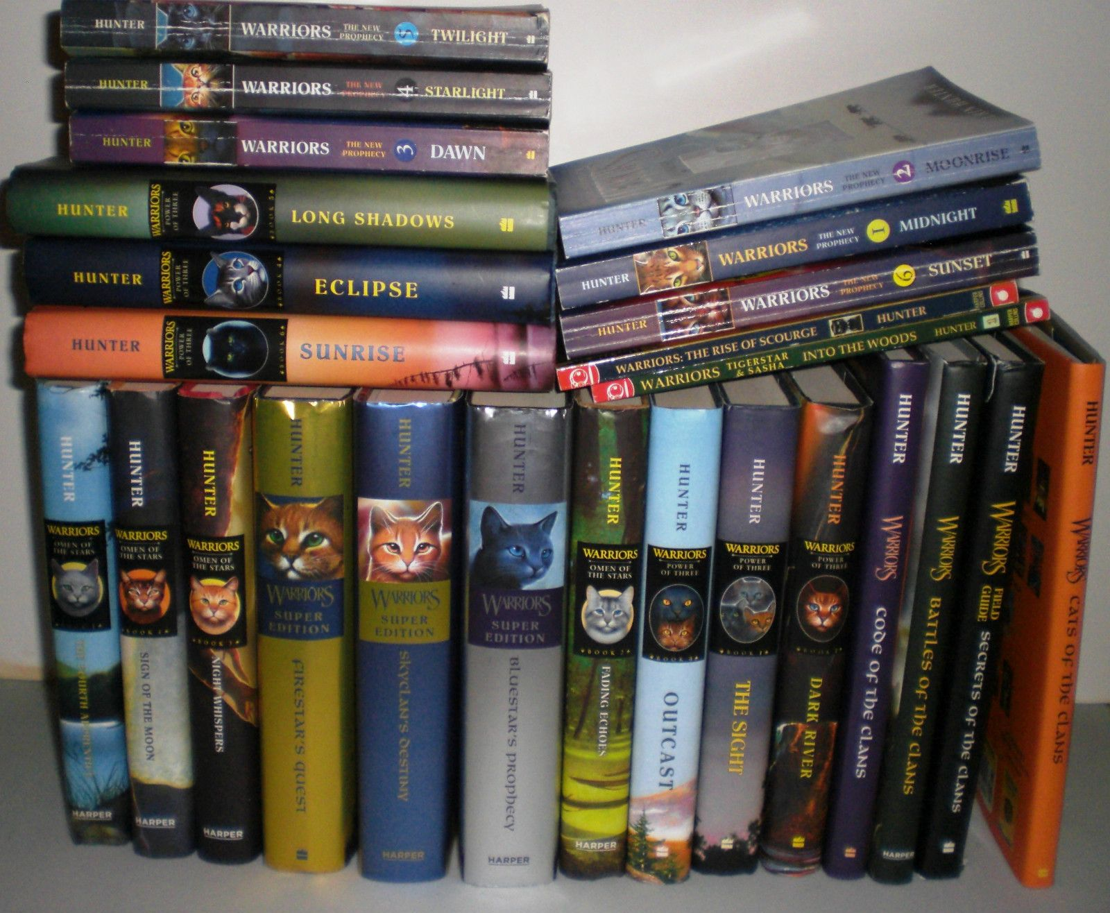 Lot Of 25 Warriors Books By Erin Hunter Manga Field Guides Super Editions Ebay