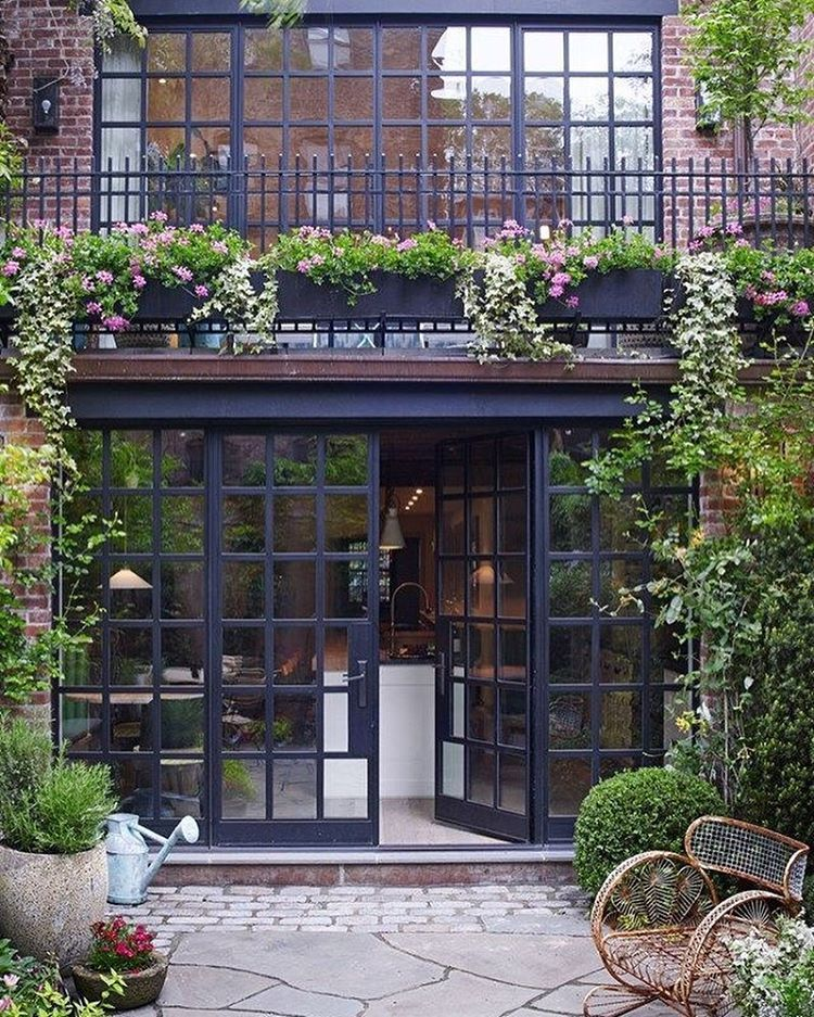 New York #interiordesign #decoinspiration #pinterest #newyorkinteriors#brickfaçade#chic