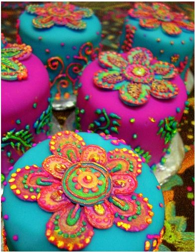 Stunning colour on these beautiful mini cakes