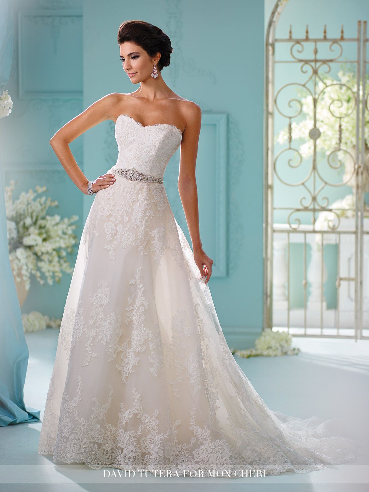 Unique Wedding Dresses Fall 2018 - Martin Thornburg | Lace applique ...
