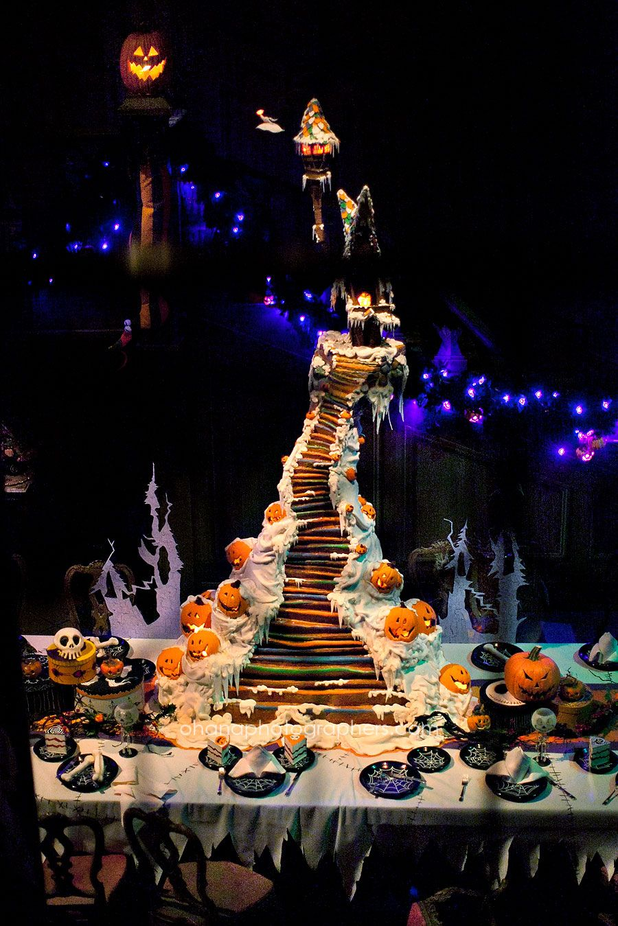 Disneyland Haunted Mansion Holiday // Gingerbread House