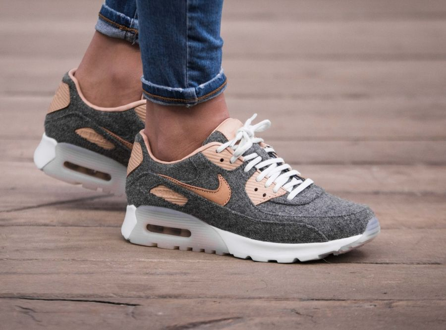Nike Air Max 90 Ultra Premium In