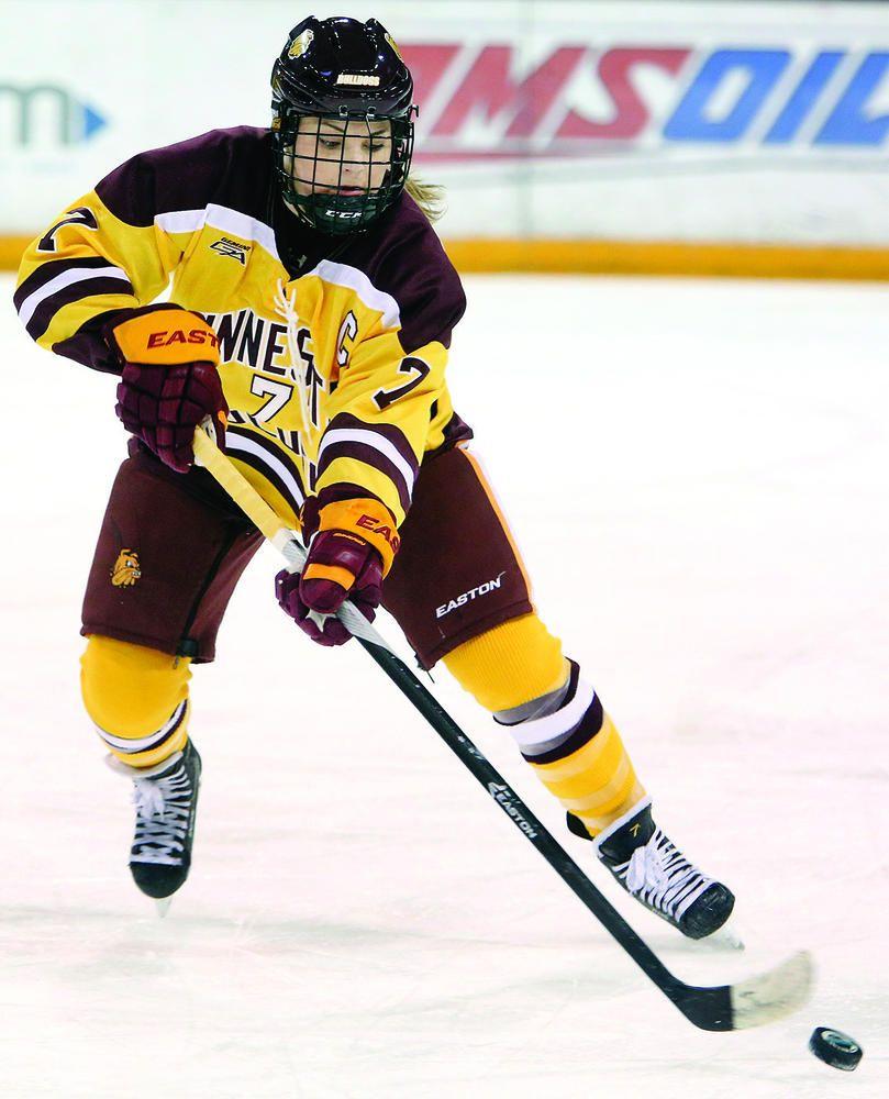 College Spotlight Stauber Has Enjoyed Her Time On Umd Women S Hockey Team Women S Hockey Hockey Teams
