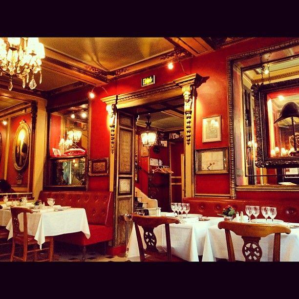 Maravilloso lugar. Deliciosa gastronomía francesa. Menú: 38€ sin bebida.